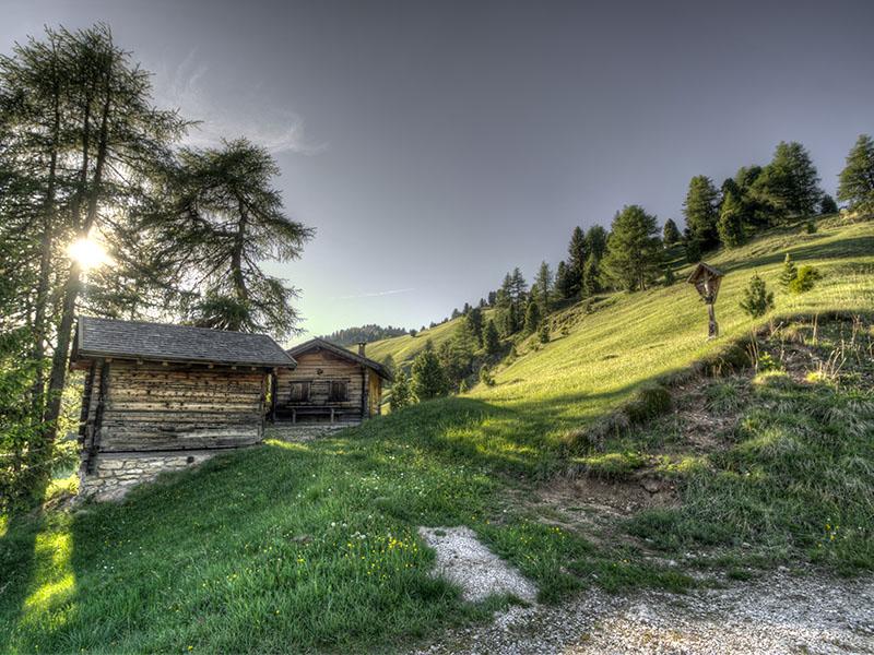 Construire sur un terrain non constructible (cabanes, maisons sans fondations, etc)