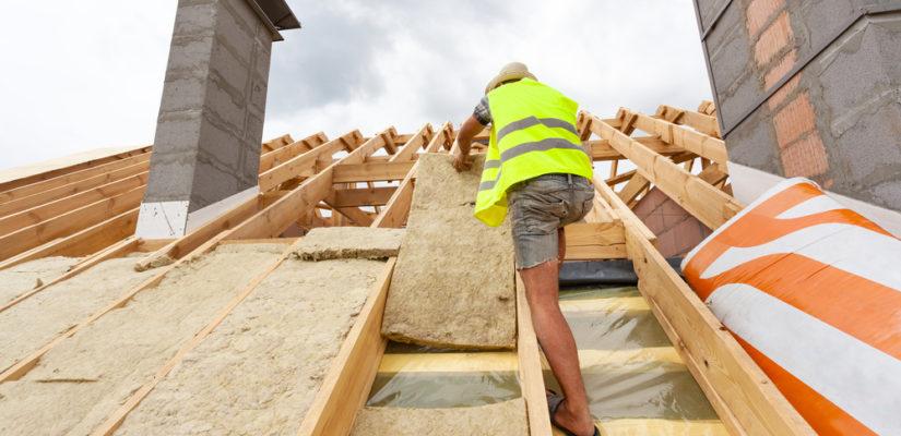 Isoler efficacement sa toiture à l'aide de professionnel