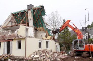 Travaux de démolition sur un terrain : étapes et procédures